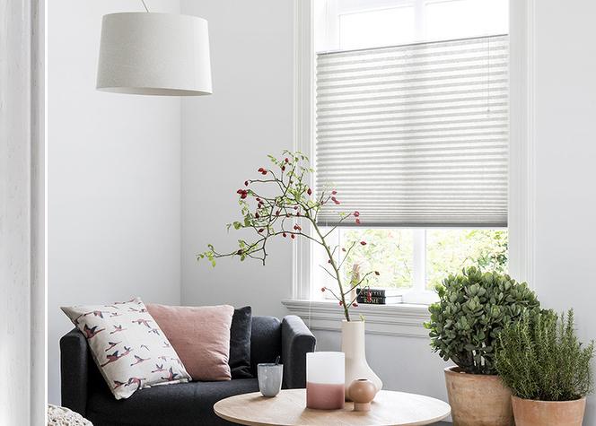 klemmfix plissee ohne bohren wei nach standard plissees wabenplissees plisseeonline. Black Bedroom Furniture Sets. Home Design Ideas